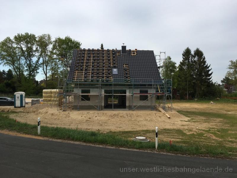 KW 18 – Innenwände OG, Dach, Nachbarschaftskennenlernen